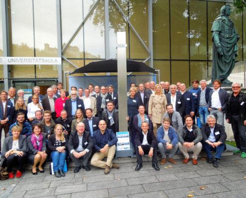 Gruppenbild der TeilnehmerInnen am Symposium TEXTILE ARCHITEKTUR in Salzburg